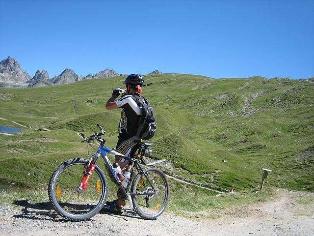 Jak vybrat vhodné kolo a vybavení pro cykloturistiku?