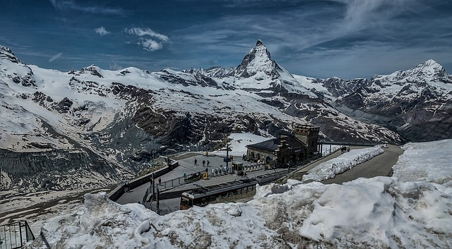 Alpy nad Zerrmattem a Matterhorn